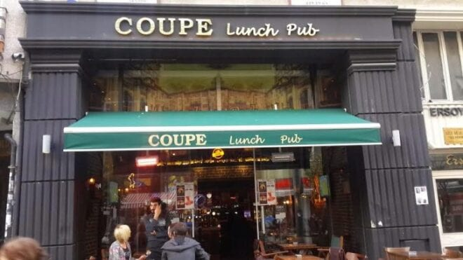 Cafe coupe