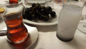 Rakı arası çay