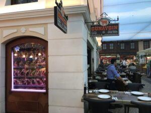 Steakhou restoranlarda sunum ön planda