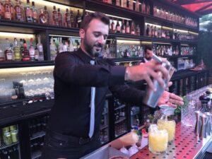 Scarlet'da bar ve kokteyller oldukça önemsenmiş
